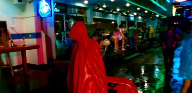 Red Raincoat Serial Killer - Slice