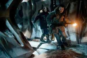 Een Noors onderzoeksteam vindt op Antarctica een ruimteschip.