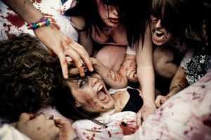 juan de los muertos zombies 300x200 Recensie: Juan de los Muertos (Alejandro Brugués. 2011)