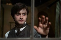 Daniel-Radcliffe-in-The-Woman-in-Black-2012-Movie-Image2-e1325636369179
