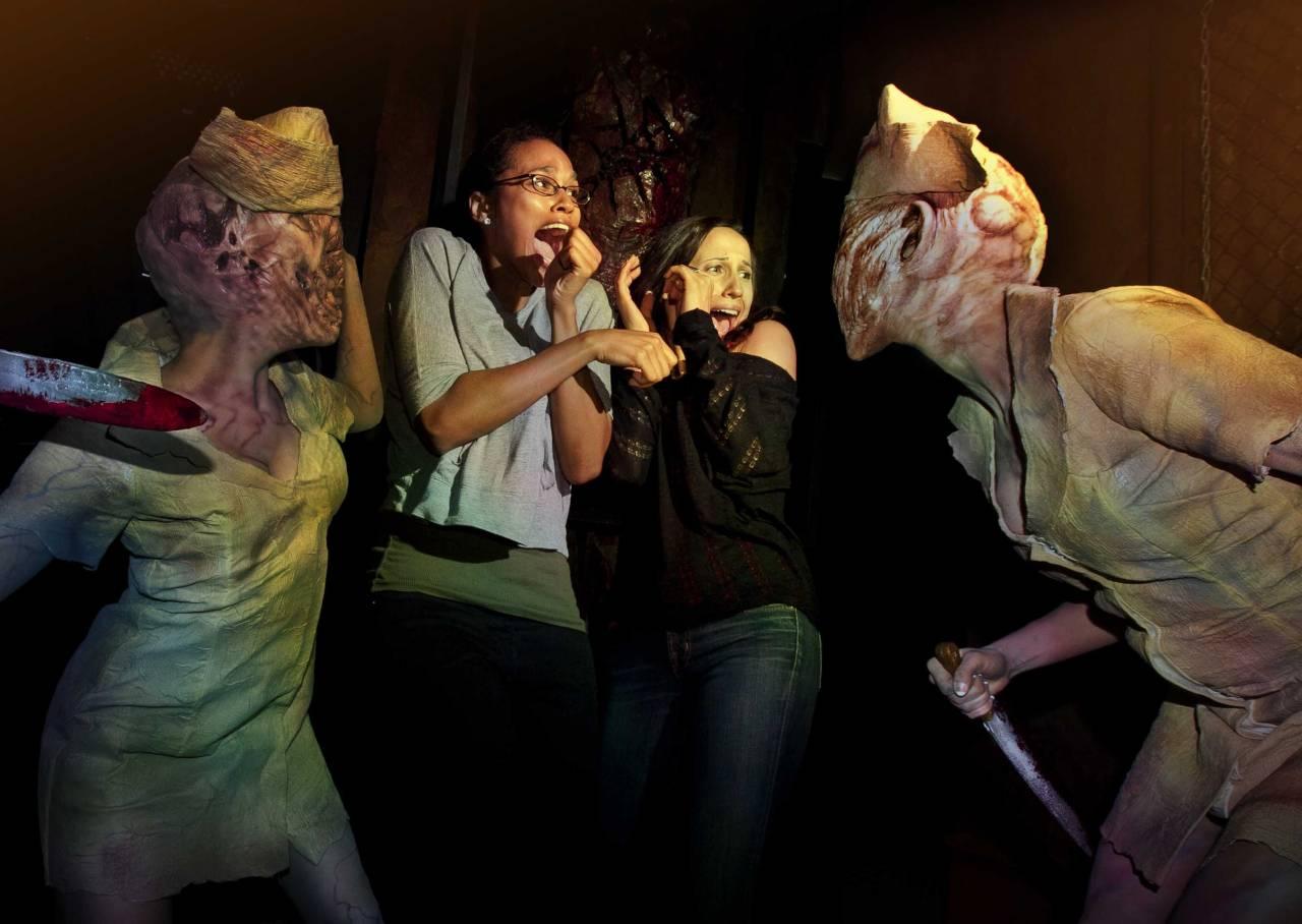 Silent Hill Maze Universal Halloween Horror Nights