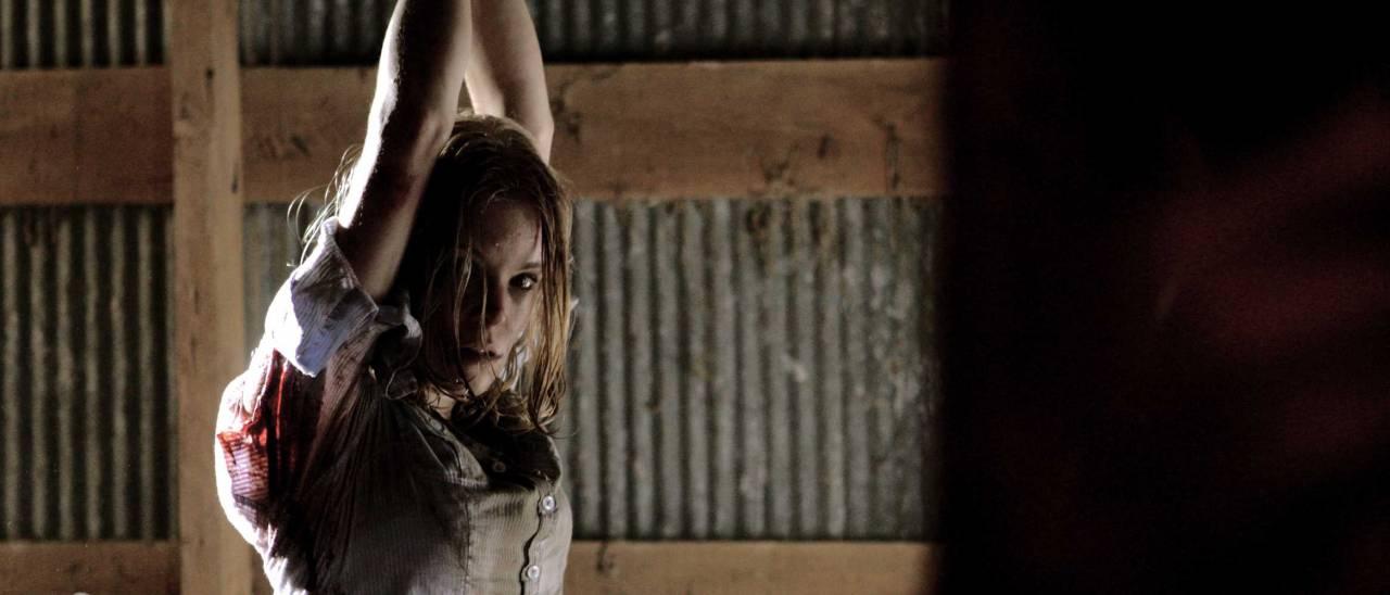 Scream Queen Anessa Ramsey als Rachel.