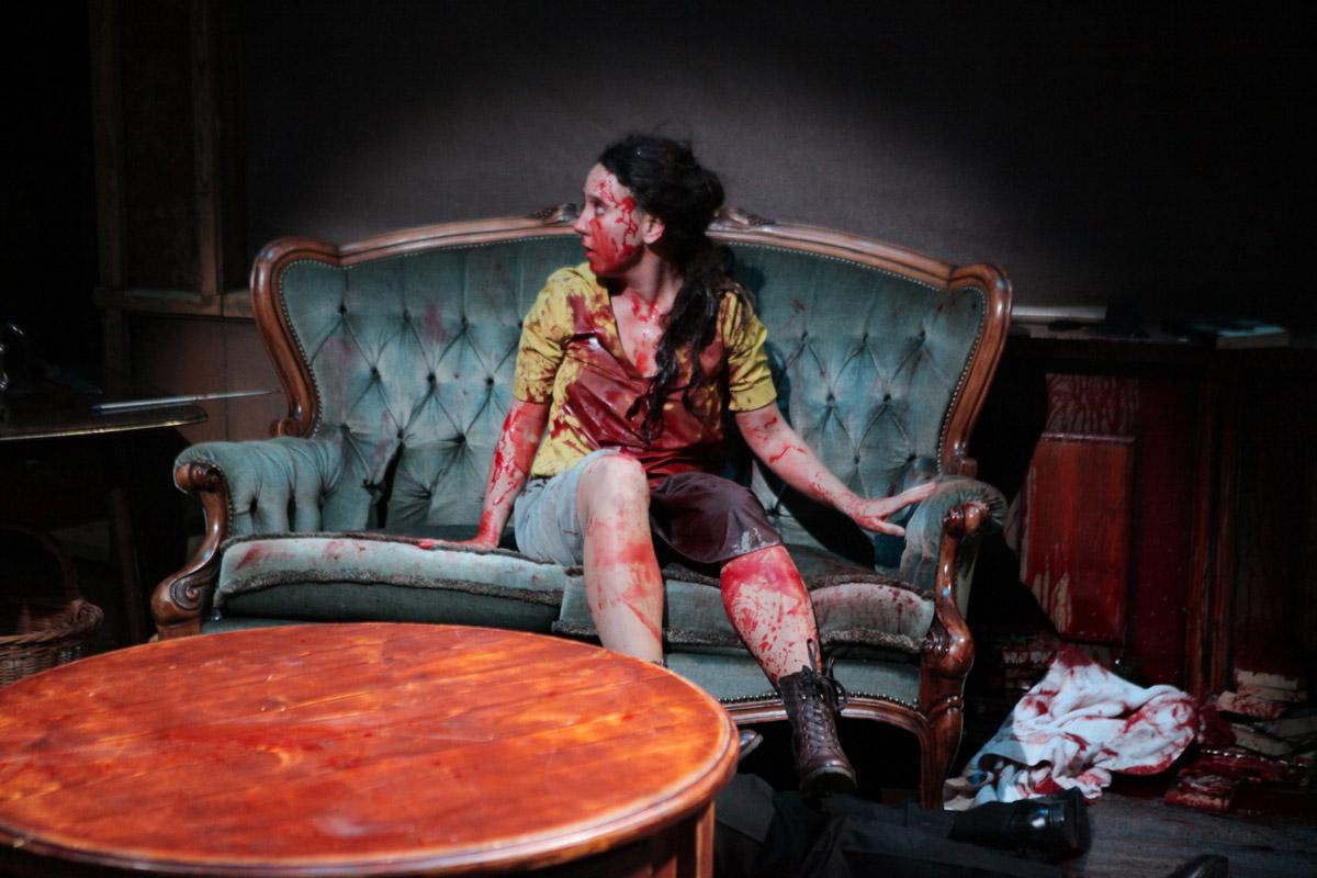 Ook bloed vloeit in overvloed in Horror, foto Sanne Peper