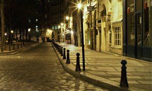 Street scene at night, Paris