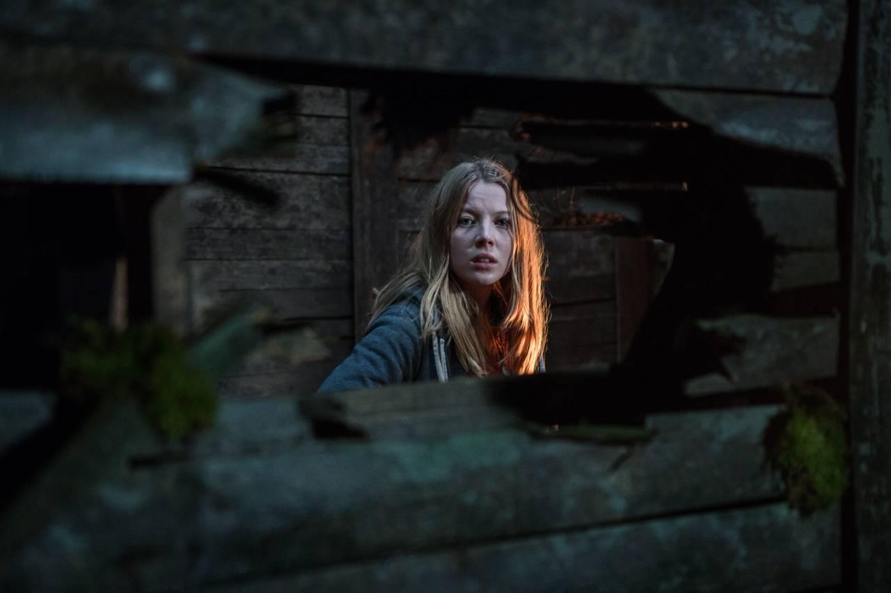 Charlotte Beaumont als de Australische backpacker Jennifer in The Windmill