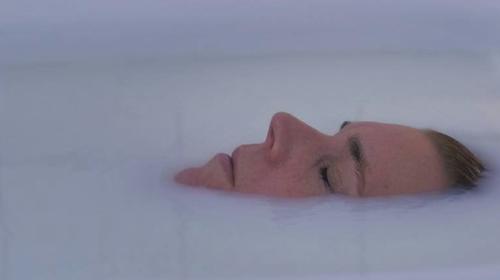 Lanna Ohlsson als Caroline in Sensoria