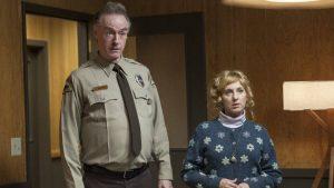 Kimmy Robertson en Harry Goaz zijn geen spat veranderd als receptioniste Lucy en Deputy Andy Brennan en zorgen wederom voor de nodige hilariteit.